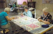 Wedding-ring quilt to be auctioned for Senior Center