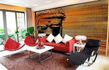 Creative touches can bring bland wall to life