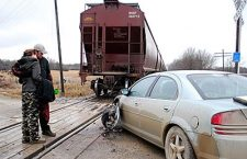 Passengers escape injury in car-train accident