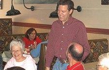 Brownback brings gubernatorial chase to Marion cafe