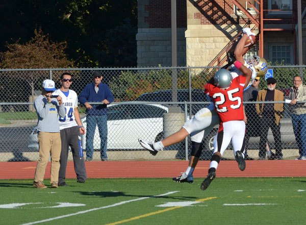 Tabor earns one-point victory over Friends, 20-19