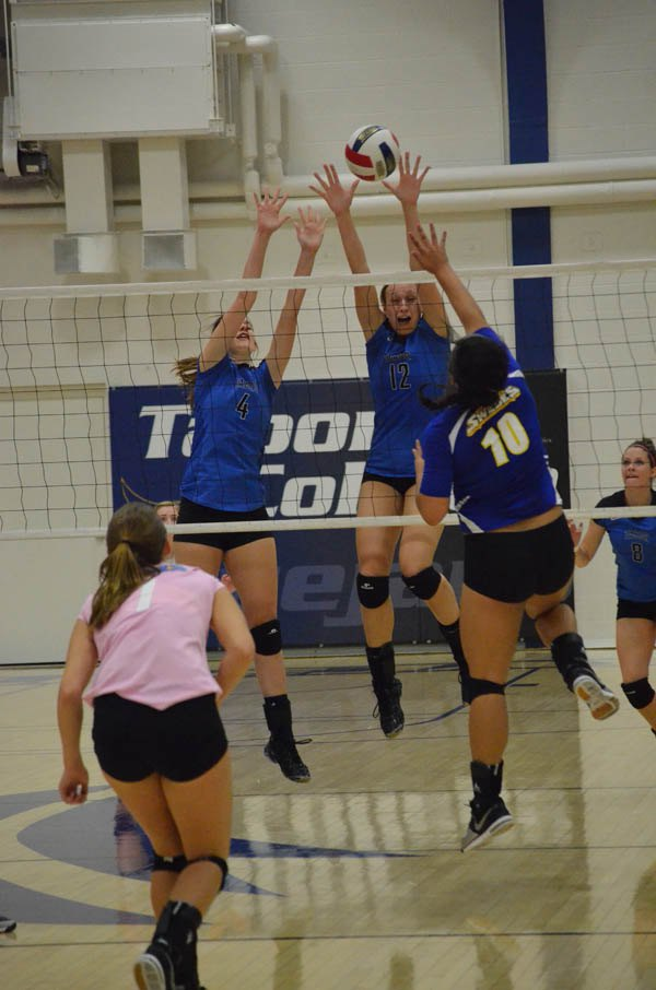 Tabor earns two KCAC victories