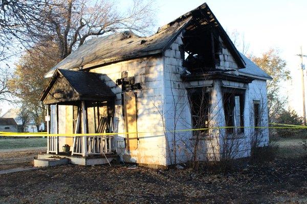 Fire destroys unoccupied house