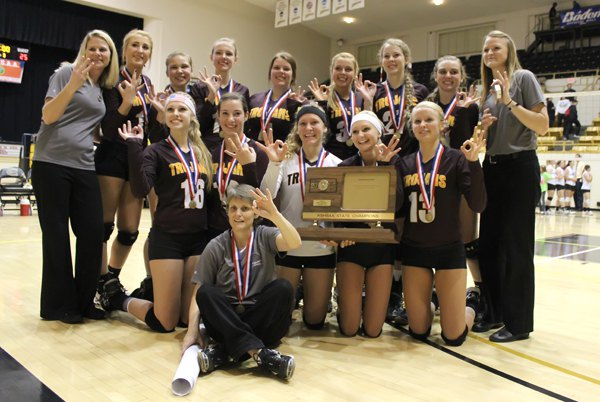 Hillsboro wins third straight state volleyball title
