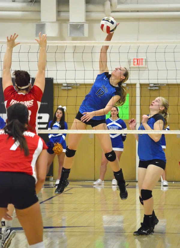 Tabor ties for KCAC title