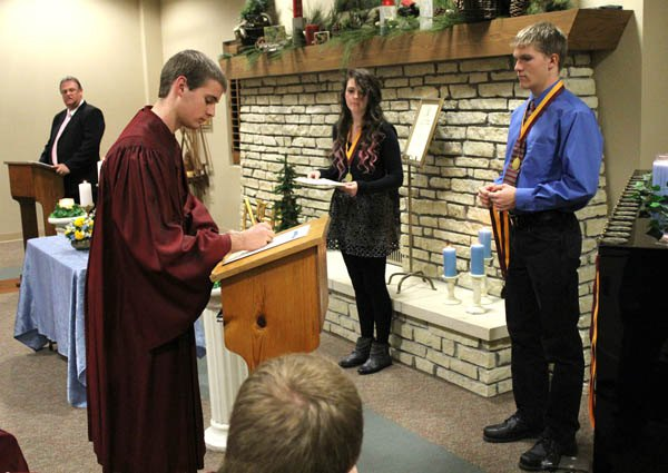 NHS chapter at HHS inducts 19 members