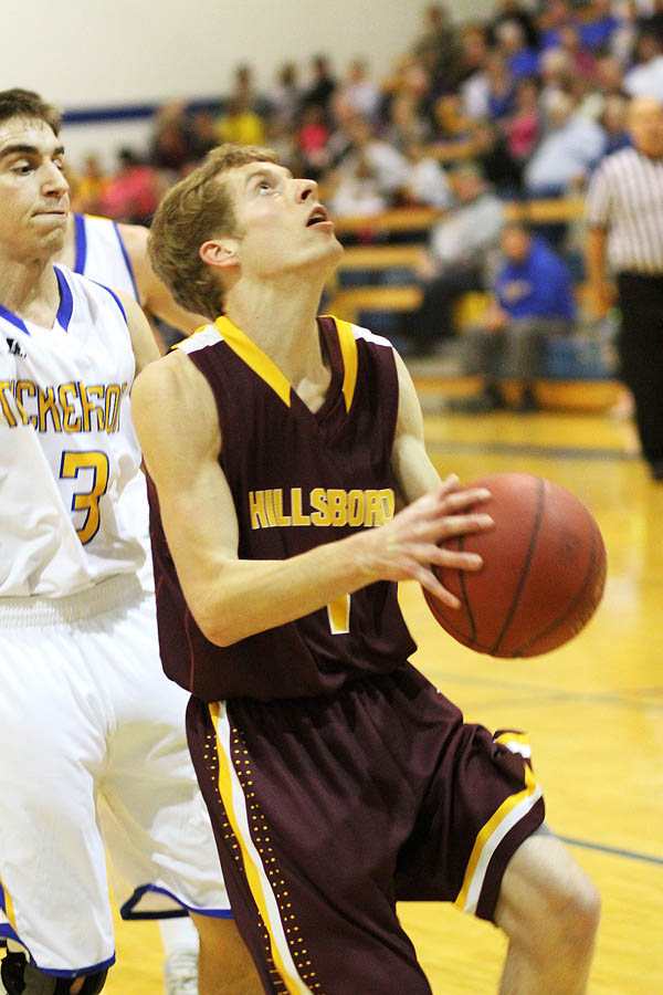 HHS boys defeat Sterling, Nickerson