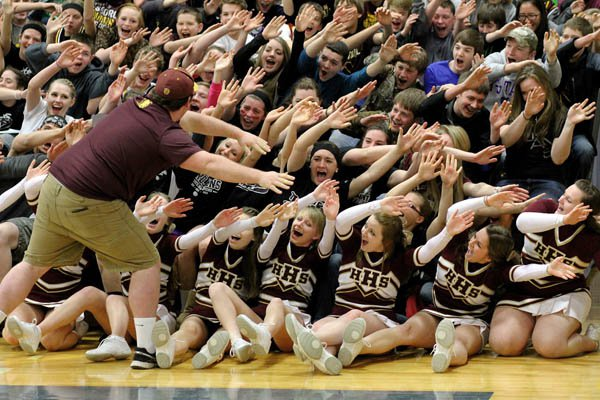 Hillsboro student section gets into the swing of things at sub-state
