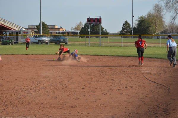 Warrior softball sweeps Sedgwick