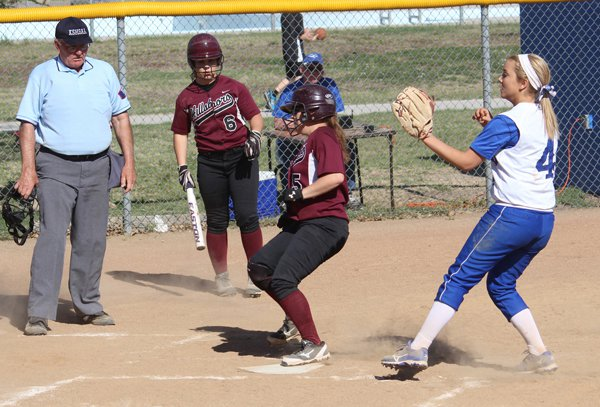 Hillsboro softball sweeps Halstead, improves to 16-2