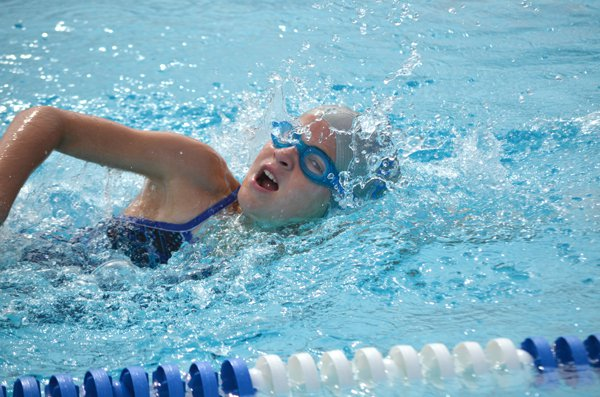 Hillsboro swimmers win third straight