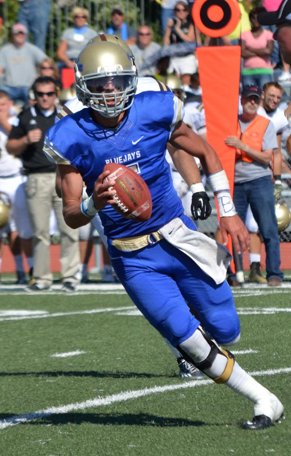Tabor shuts out Nebraska Wesleyan, 36-0, in season opener