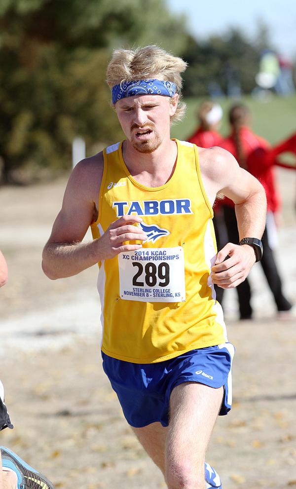 Holmes, Allen lead TC runners