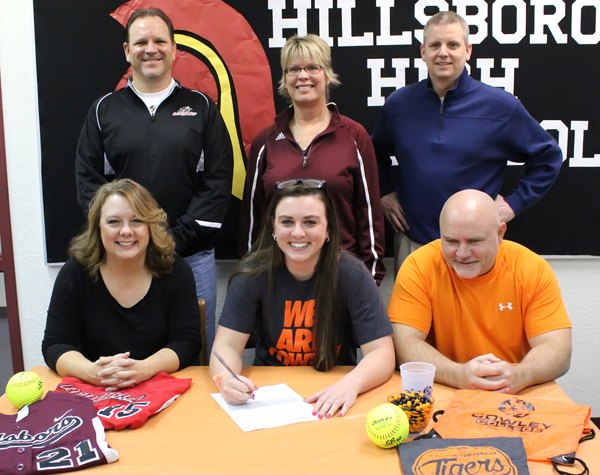 Nowak signs for Cowley softball