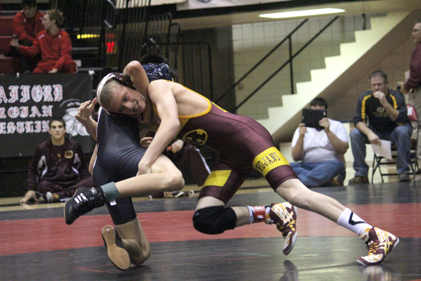 HHS wrestlers second at Hesston