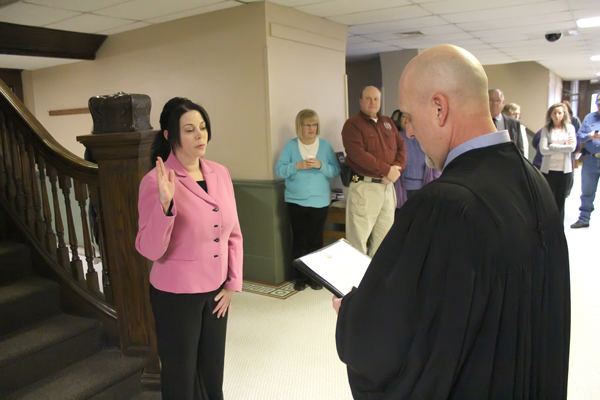 New Marion County commissioner sworn in Monday morning