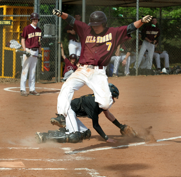 HHS baseball splits with Haven team