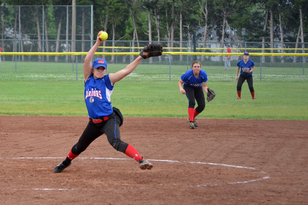 Marion softball sweeps Little River
