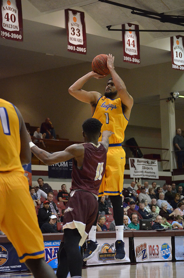 Tabor men advance to quarterfinals with 88-82 win over Robert Morris