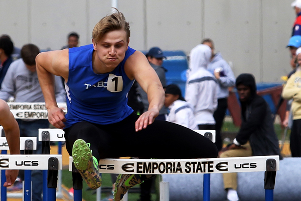Parker Findley won his heat in the 110-meter hurdles Saturday at Emporia State with a time of 16.07 seconds, good for 26th place overall.