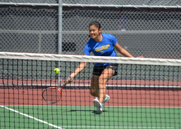 Jessica Emoto defeated Kansas Wesleyan's Itzi Torres, 6-0, 6-2, Friday, extending her two-year, 10-0 unbeaten streak in KCAC play. The Bluejays swept the Coyotes, 9-0, improving to 2-1 in KCAC play, 5-4 overall.<p>