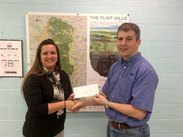 Countryside Feed contributes $2,600 for HES kids