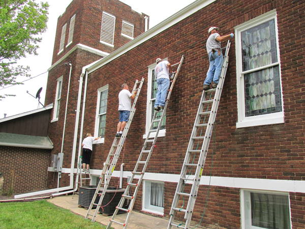 Aulne United Methodist members take on some summer sprucing