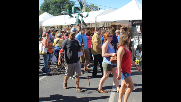 City crews contribute to the success of local art fairs
