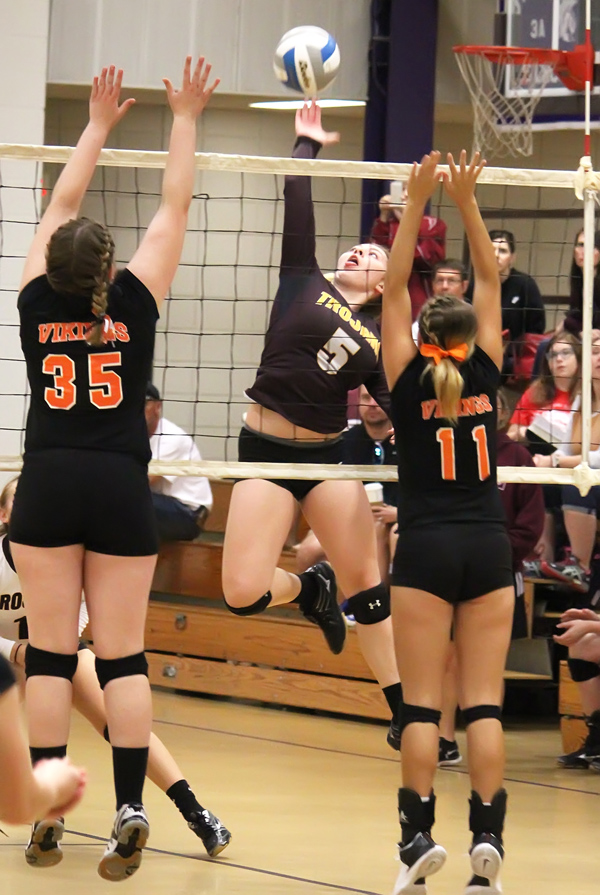 Mistakes costly as Trojans finish 6th at SES tourney