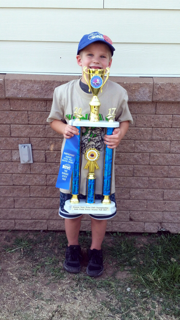 Local youth wins state fair pedal pull
