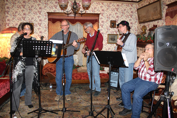 Schaeffler House museum comes alive with Christmas music