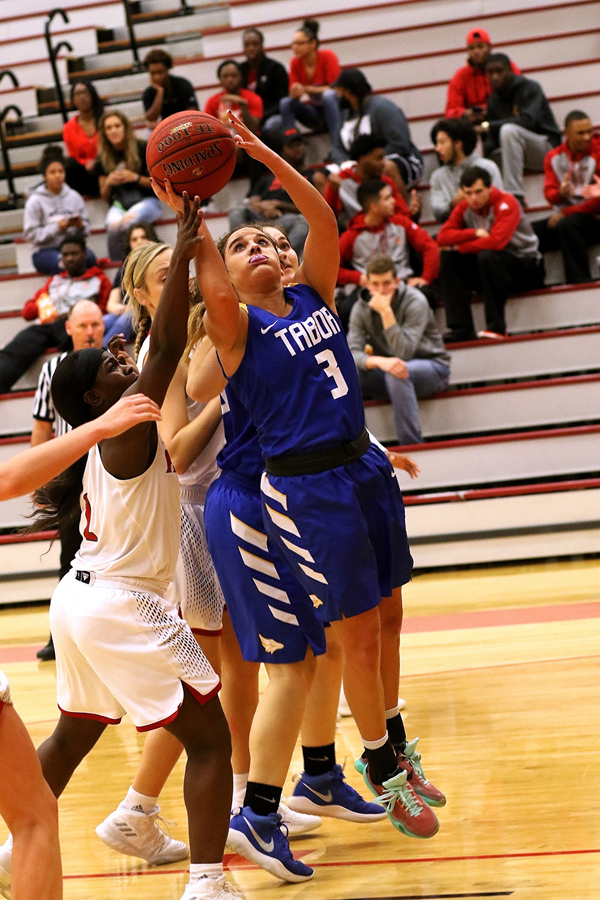 Tabor women, men defeat Bethel and Friends