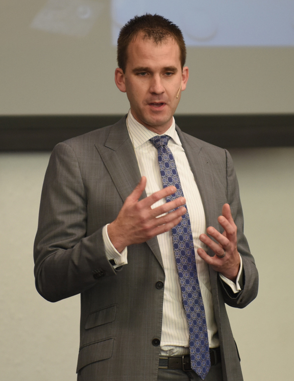 During his return visit to Tabor College in late January, Jeremiah Randall spoke to a variety of students in classes and during a chapel service. A graduate of Tabor, Randall has served as head athletic trainer of the Houston Astros since November 2015.