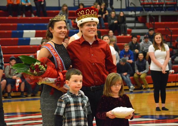 Marion High School crowns royalty for winter homecoming