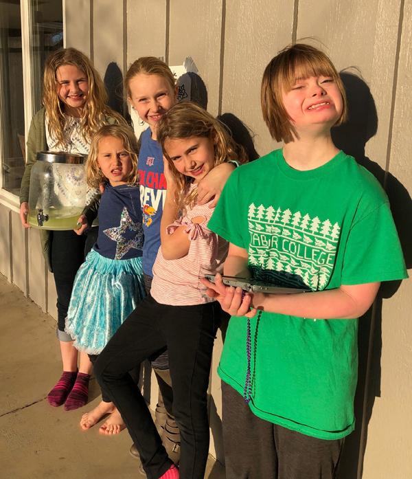 Girls sell lemonade to help MSM