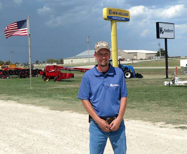 Herington KanEquip hires new local manager