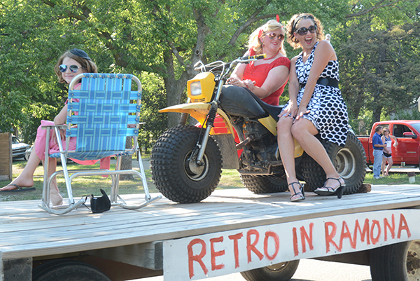 Retro float earns win for Ramona Independence Day parade
