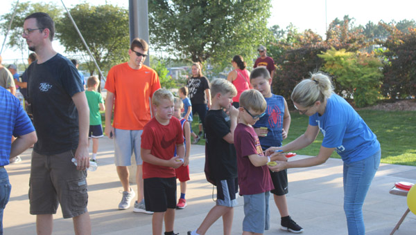 Crowds come out for the  Hillsboro Elementary Carnival