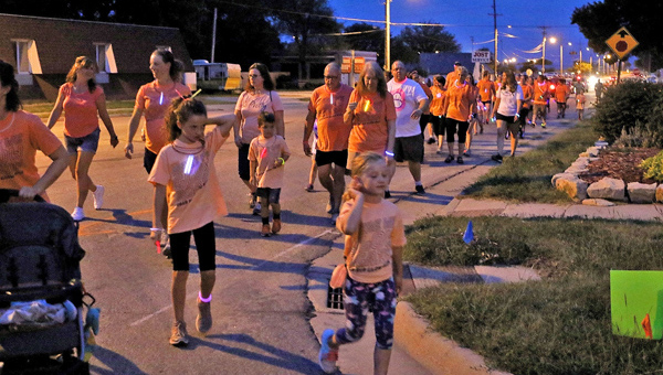 Glow run enjoys second year at Marion County Fair
