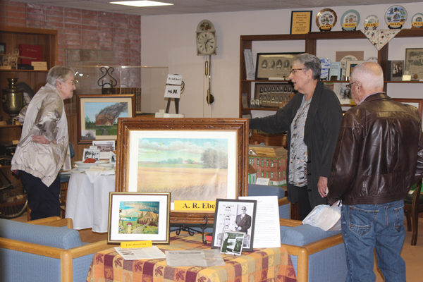 "The Center for Mennonite Brethren Studies hosted an exhibit called ""Displays of Yesterdays"" where attendees could look at items and learn more about traditions of Mennonite Brethren from years ago. Laura Fowler Paulus / Free Press"