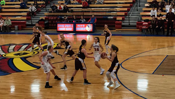 Marion and Hillsboro face off on the court