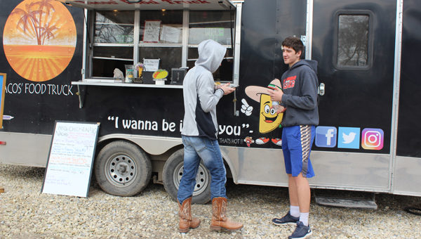 New county eatery comes from a truck