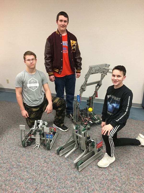 Robotics team qualifies for Hutchinson tournament
