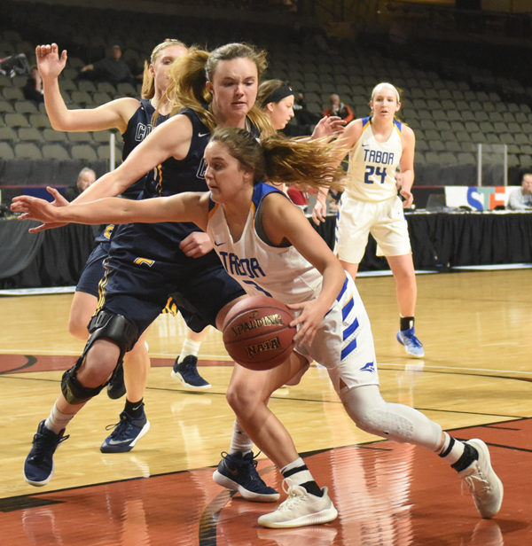Tabor women fall in first round, celebrates season
