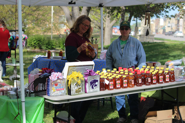 Marion 'Park It and Market' draws several booths Saturday