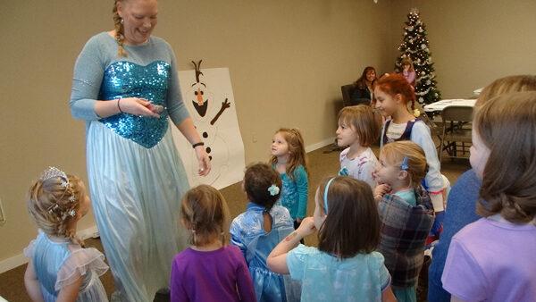 Marion children enjoy Frozen party