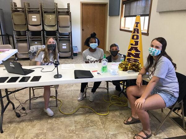 Cheerleaders host blood drive