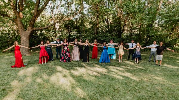 Hillsboro seniors get together for belated prom
